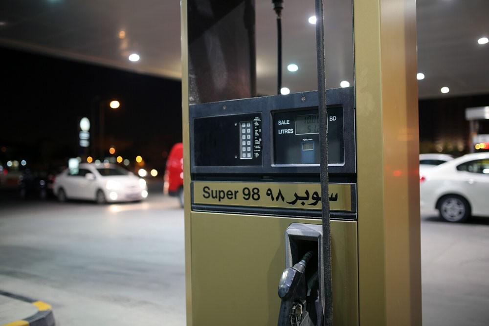 """محامي """"النفط"""": عدم نشر قرار البنزين لمنع تكالب المواطنين على المحطات"""