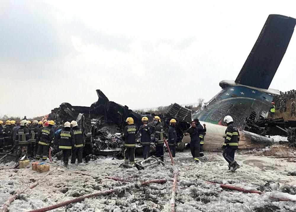 50 قتيلا في تحطم طائرة ركاب بنغلادشية في نيبال