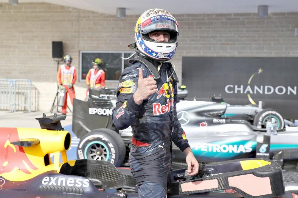 ريتشياردو بطلا لسباق الصين