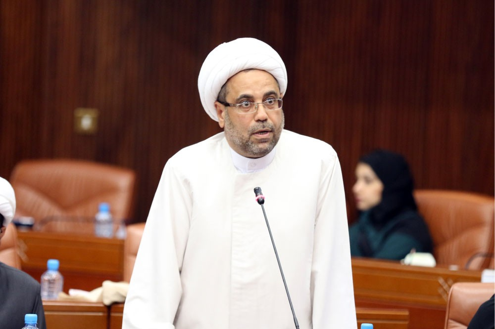"""الماجد لـ """"البلاد"""": 3250 عضوا بجمعيات منحلة سيحظر دخولهم البرلمان"""