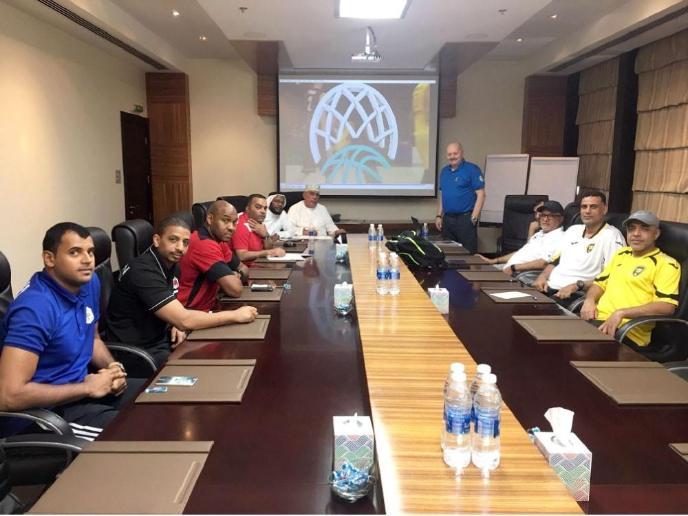 نجاة يشارك في اجتماع المدربين