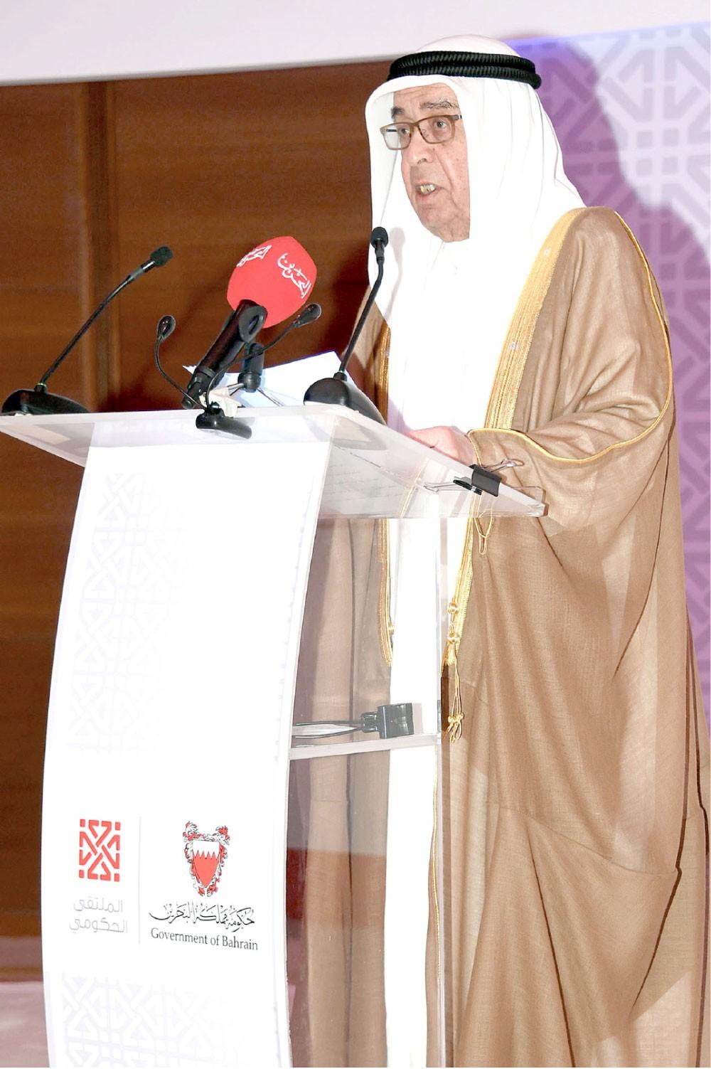 محمد بن مبارك:  عملية النمو تستدعي استيعاب متطلبات التطوير واستمرار العطاء