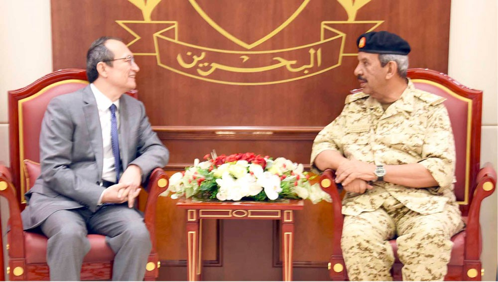 تعزيز التعاون العسكري مع الصين واليابان