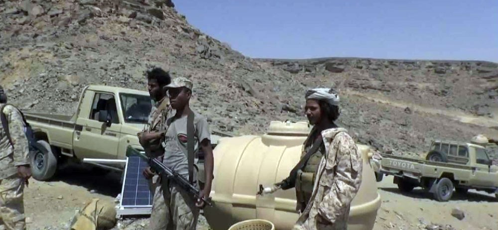 قوات الشرعية تنتزع مواقع في معقل الحوثيين