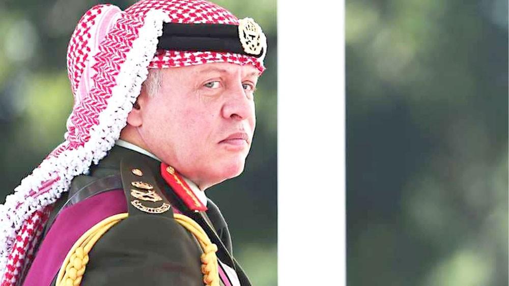 """العاهل الأردني يحذر من """"المجهول"""" والاحتجاجات مستمرة"""