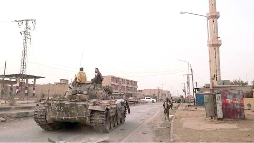 """بعد هجوم عنيف.. """"داعش"""" يسيطر على أجزاء من البوكمال"""