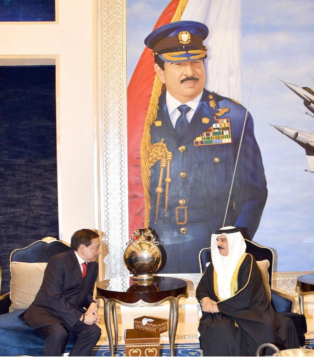 جلالة الملك : نقدر إسهامات الجالية الفلبينية بمسيرة التنمية في البحرين