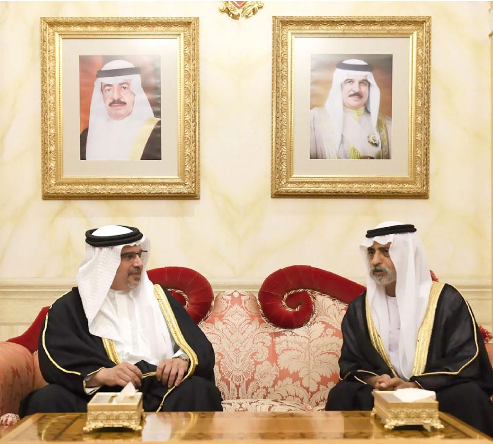 وزير التسامح الإماراتي يقدم التعازي بوفاة سمو الشيخة هالة بنت دعيج