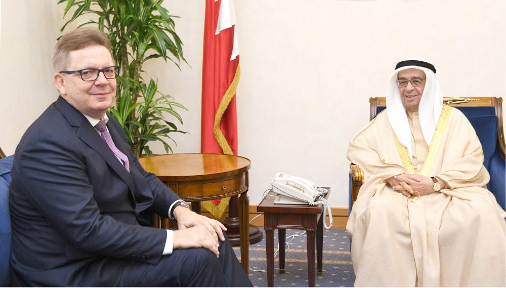 محمد بن مبارك يودع السفير الألماني