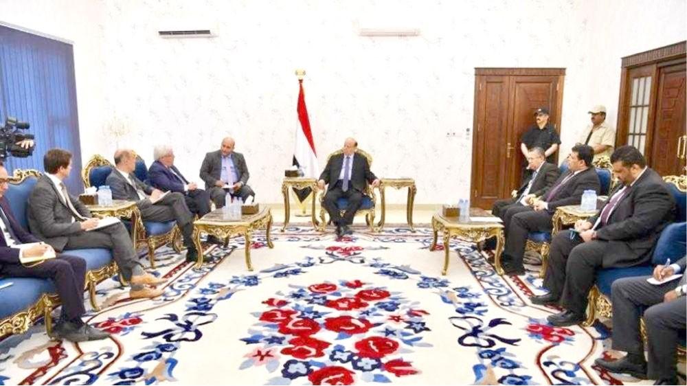 اليمن... هادي يلتقي المبعوث الأممي ويدرس مقترحاته