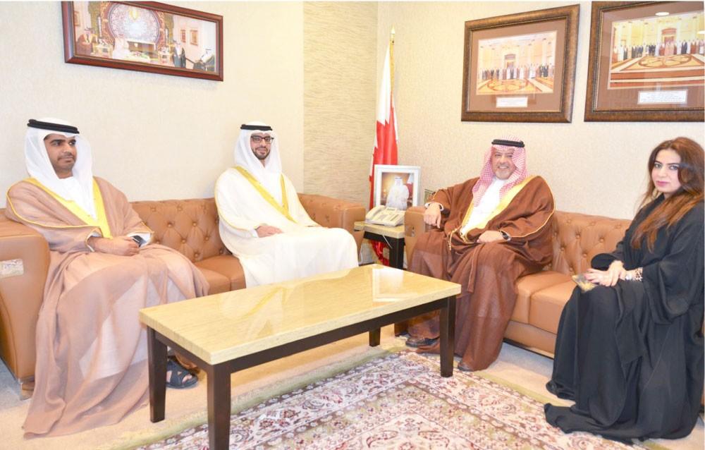 وزير العدل يشيد بعمق العلاقات مع الإمارات