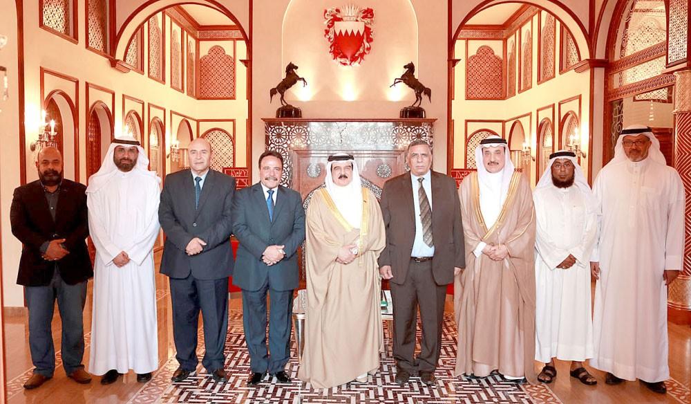 جلالة الملك : مواقف تاريخية رائدة لمصر في الدفاع عن القضايا العربية والإسلامية