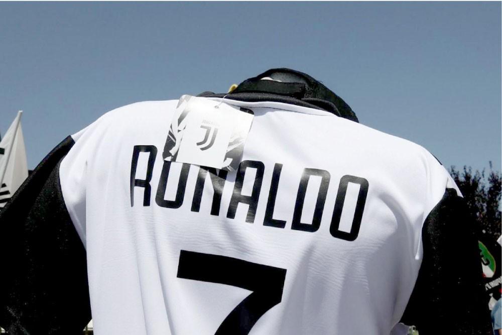"""أرقام صفقة """"رونالدو اليوفي"""""""
