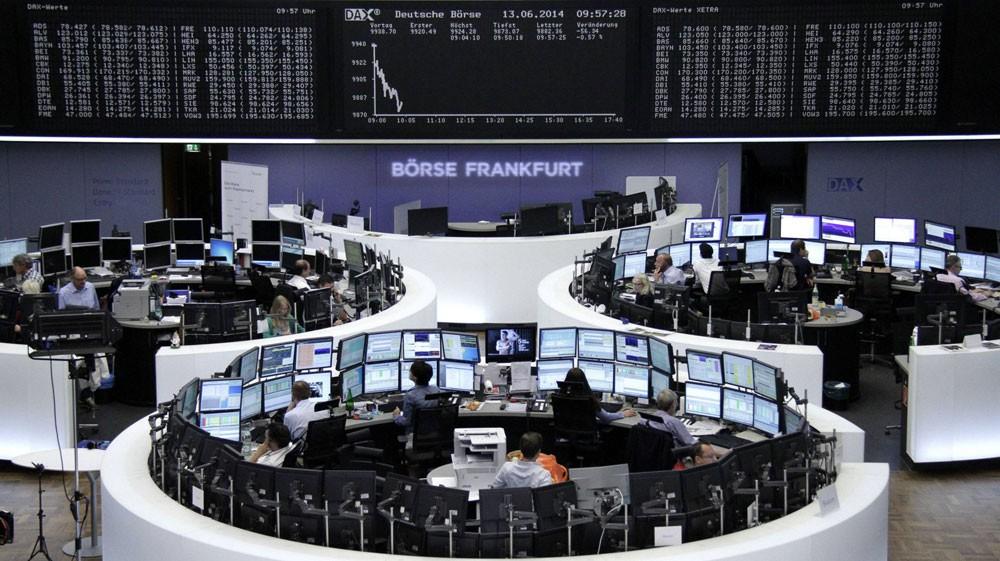 أسهم أوروبا تتراجع  في المعاملات المبكرة