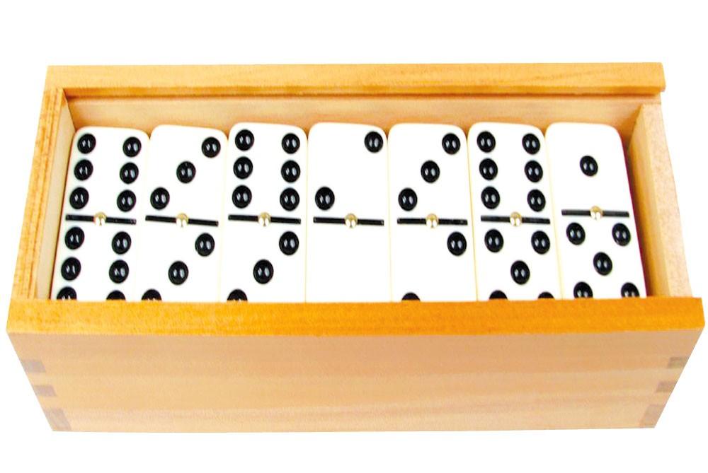 الدومينو.. من أقدم الألعاب الفكرية في العالم