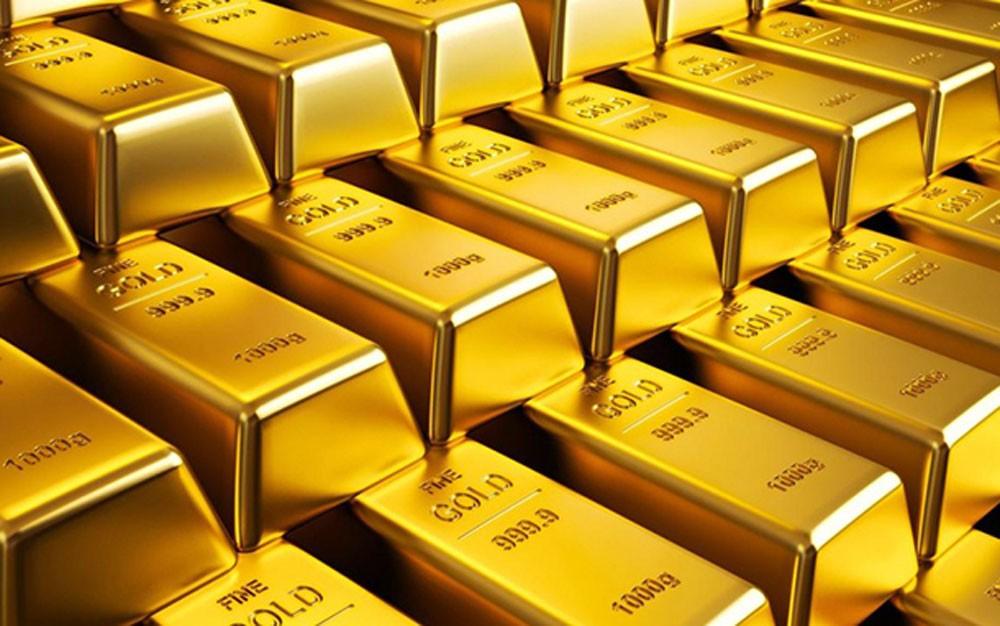 الذهب يتراجع قرب أدنى مستوى في عام