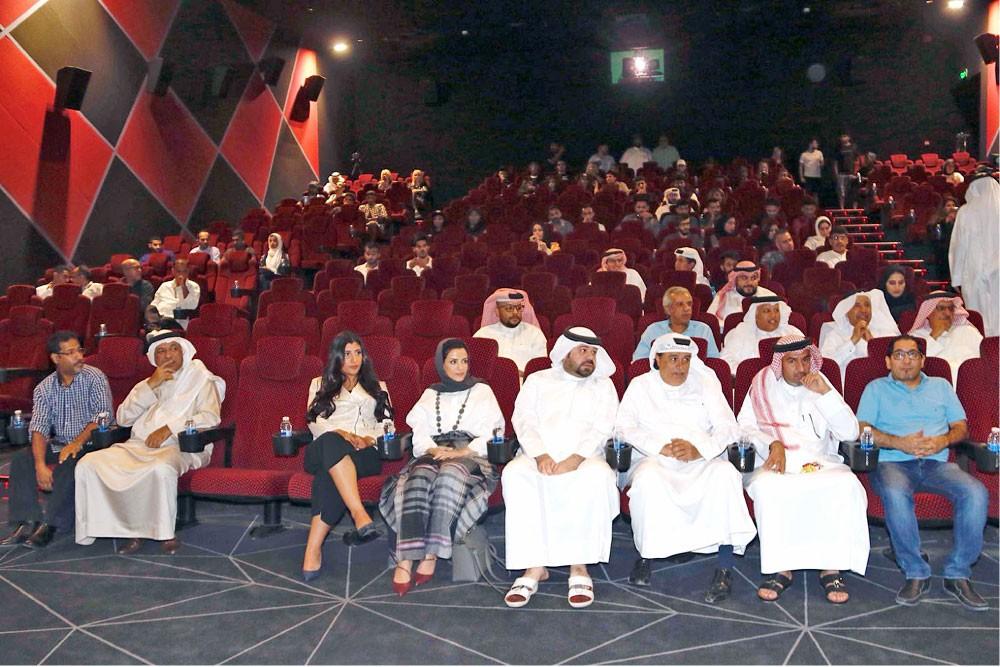 مسرح جلجامش يكرم الفنانين البحرينيين المتميزين
