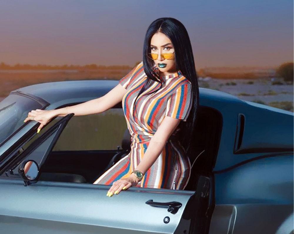 المغنية البحرينية حنان رضا تفقد صوتها
