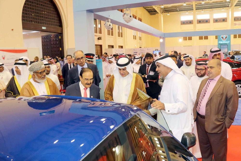 """الزياني: السيارات الكهربائية جزء رئيس من خطة """"كفاءة الطاقة"""""""
