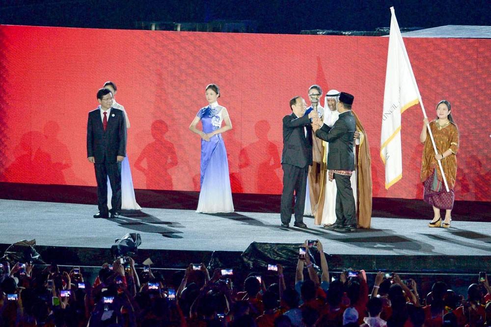 إندونيسيا تودع 16 ألف رياضي بدورة الألعاب الآسيوية