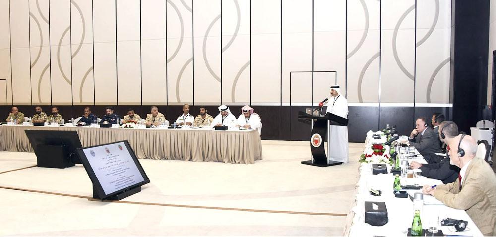 عبدالله بن أحمد: قطر سهلت دخول الإيرانيين لتنفيذ مخططاتهم بدول التعاون