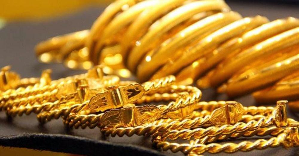 الذهب يرتفع على وجل