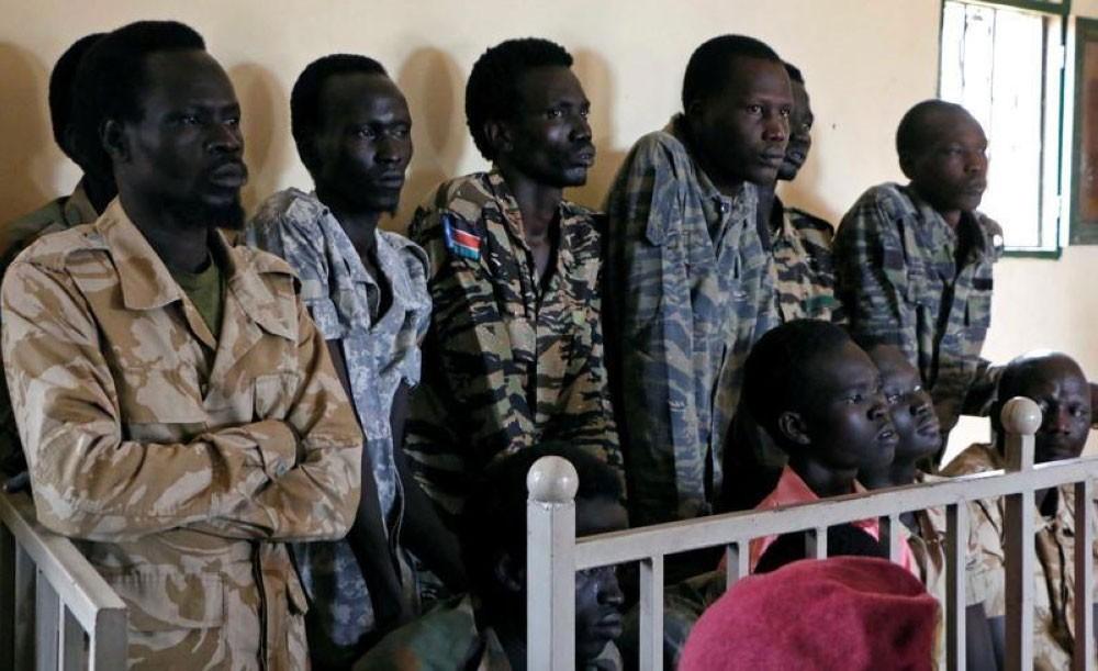 سجن 10 جنود بتهم القتل والاغتصاب