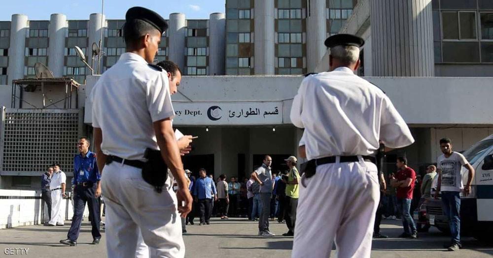 مصر تسلم جثماني السائحين البريطانيين للسفارة