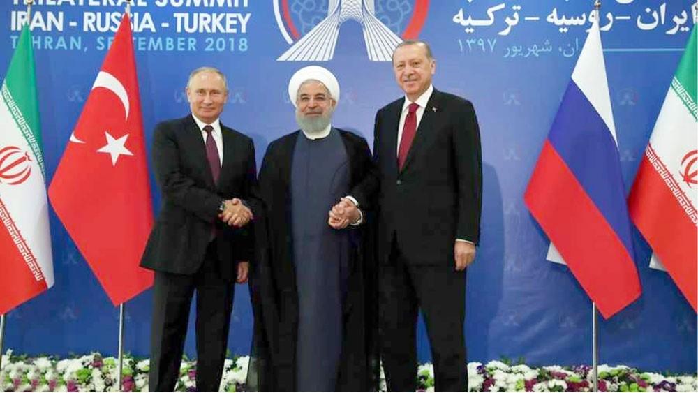 القمة الثلاثية تفشل في الاتفاق على هدنة تمنع هجوما على إدلب