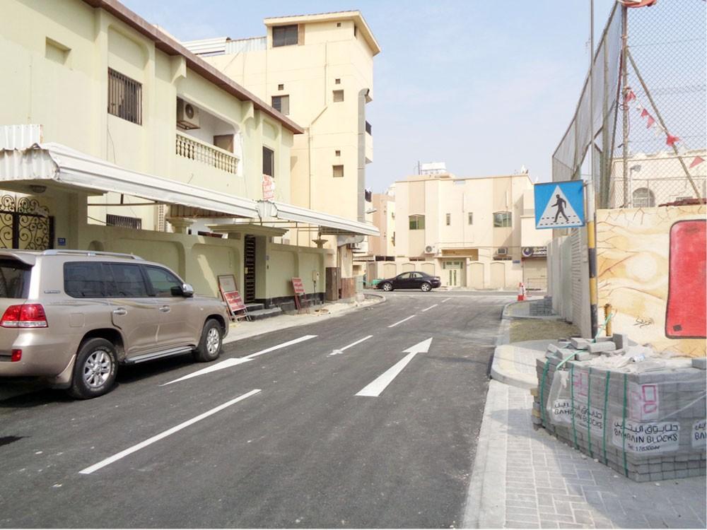 """""""الأشغال"""": تنفيذ عدد من مشاريع الطرق المحيطة بالمدارس"""