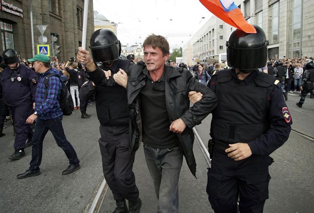 اعتقال أكثر من 150 محتجا في روسيا