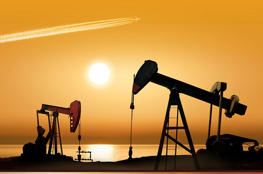 النفط يرتفع مع اقتراب العقوبات على إيران