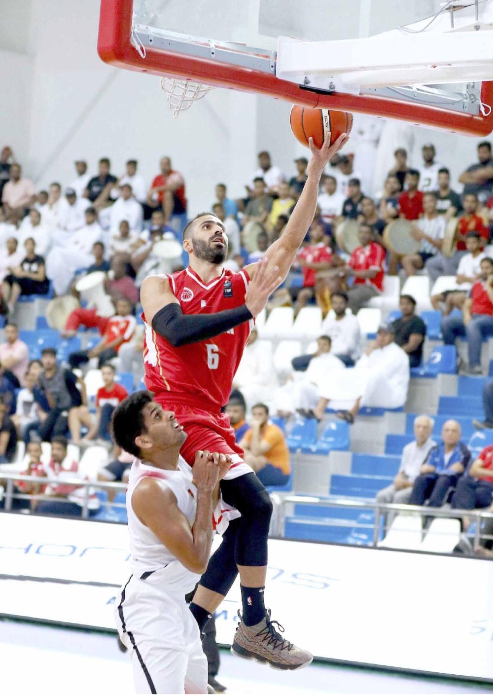 """""""أحمر السلة"""" يستهل التصفيات الآسيوية بالفوز على سيريلانكا"""