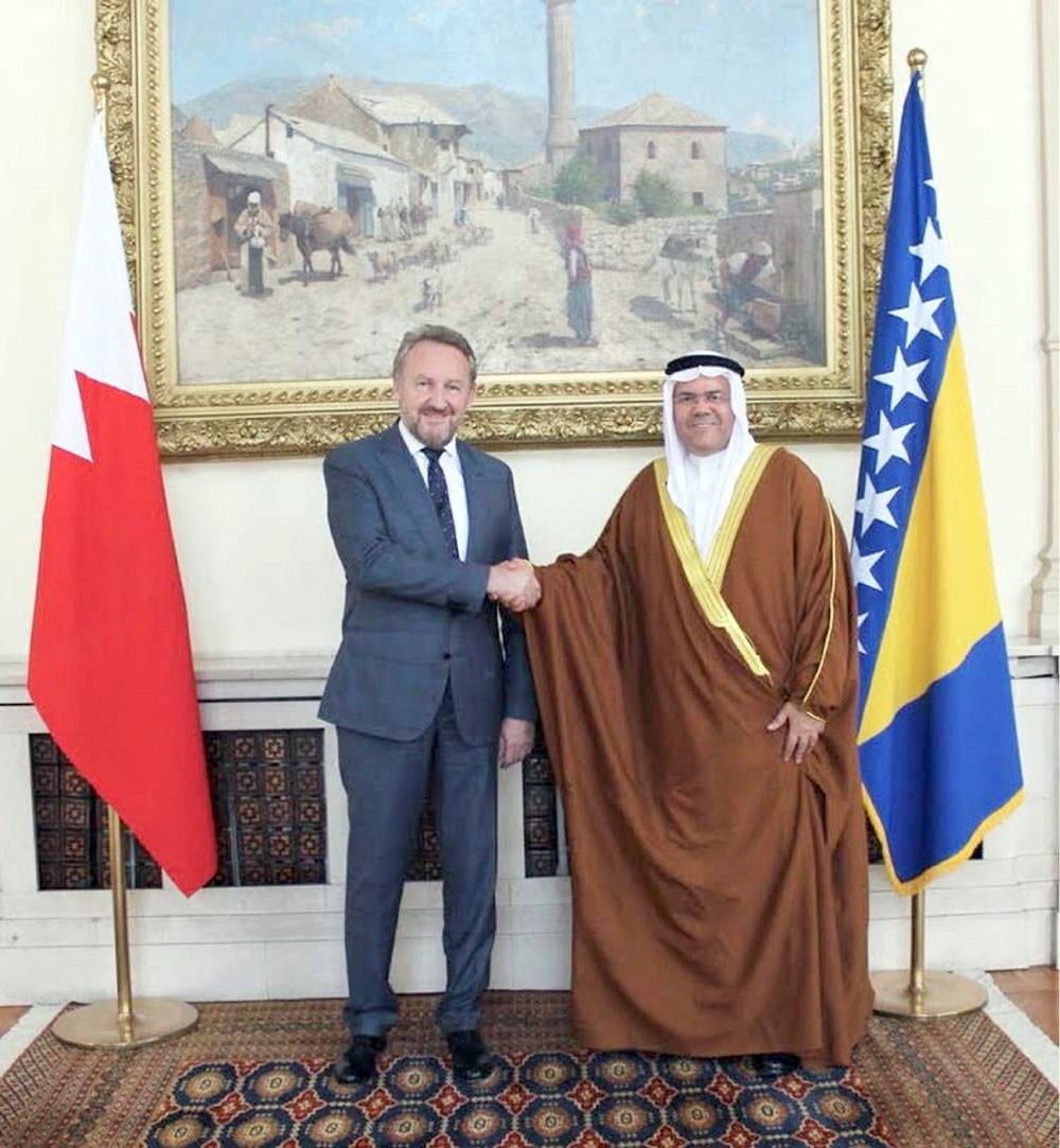 الزعيم البوسني يتسلم أوراق اعتماد سفير البحرين