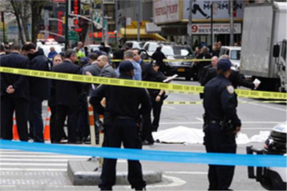 مسلح يقتل 5 وينتحر في كاليفورنيا