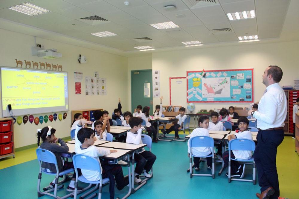 دبي الأولى عالميا في استقطاب المدارس الدولية