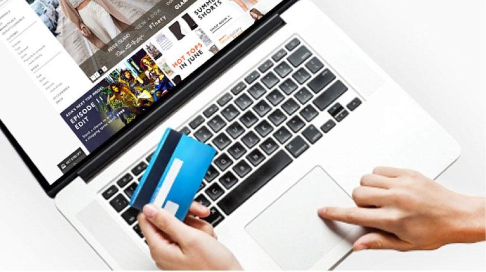 """""""التواصل الاجتماعي"""" تجبر الشركات الدولية على ضبط الأسعار"""