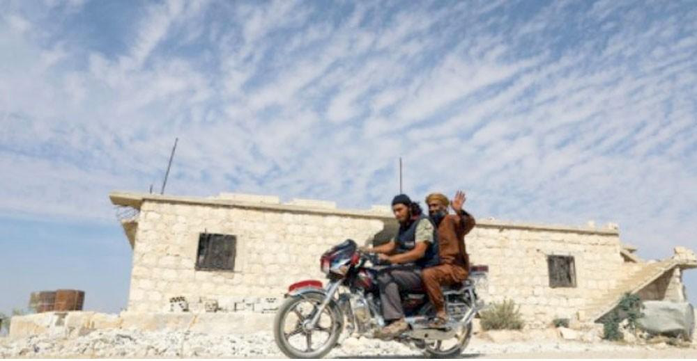 المعارضة تستكمل سحب الأسلحة الثقيلة من إدلب