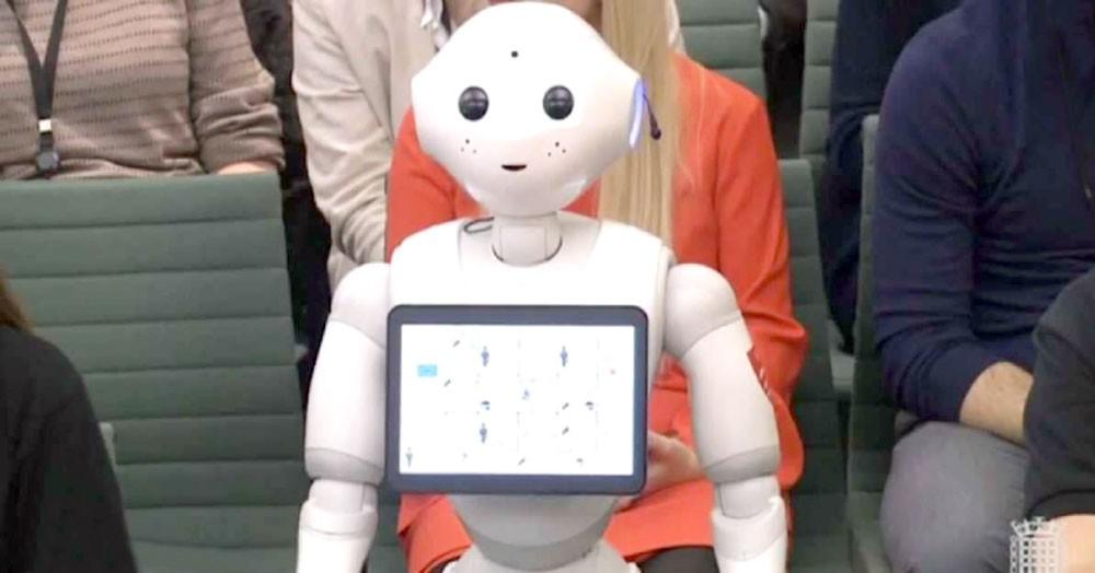 """البرلمان البريطاني يستجوب """"روبوت"""""""
