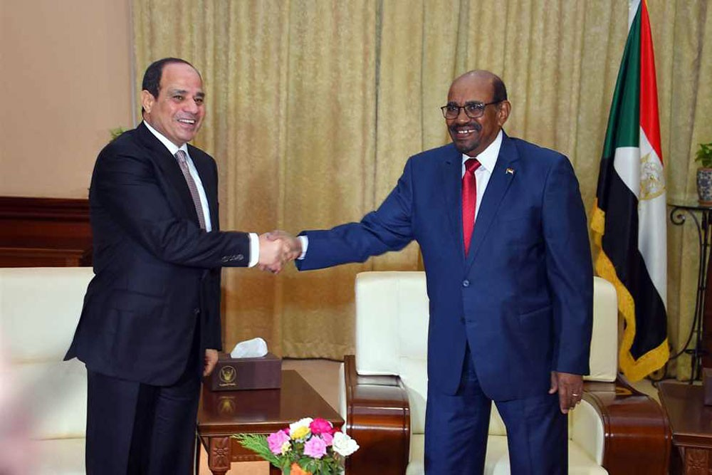 سفير السودان يكشف تفاصيل قمة السيسي والبشير