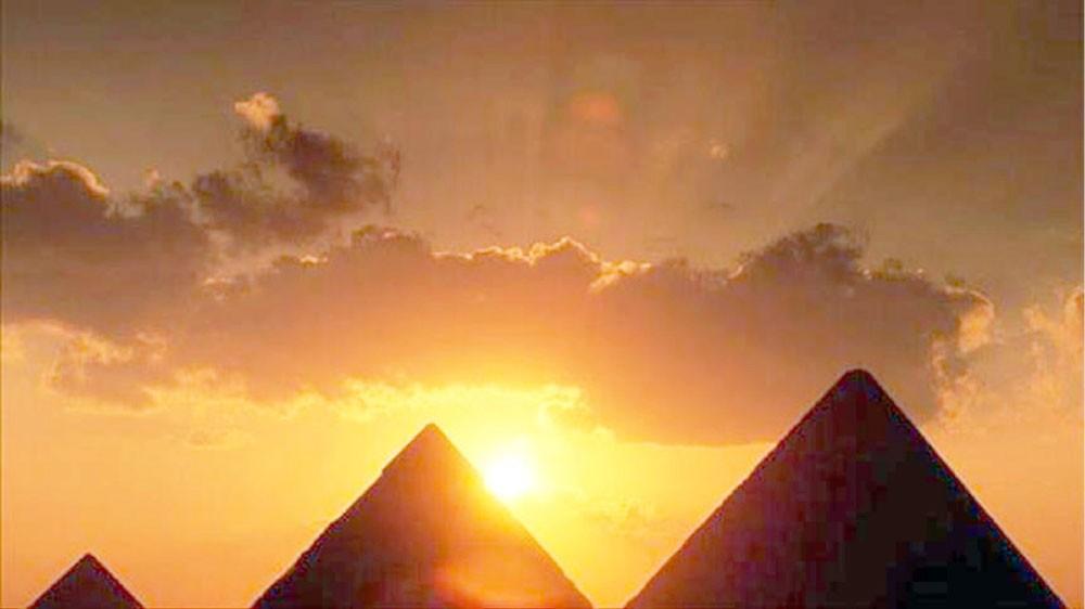 """مصر تحل لغز """"أحجار الأهرامات"""""""