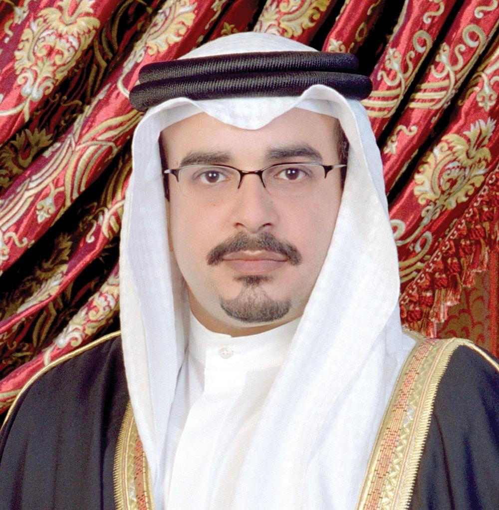 سمو ولي العهد يتلقى تهنئة من وزيري الكهرباء والمواصلات