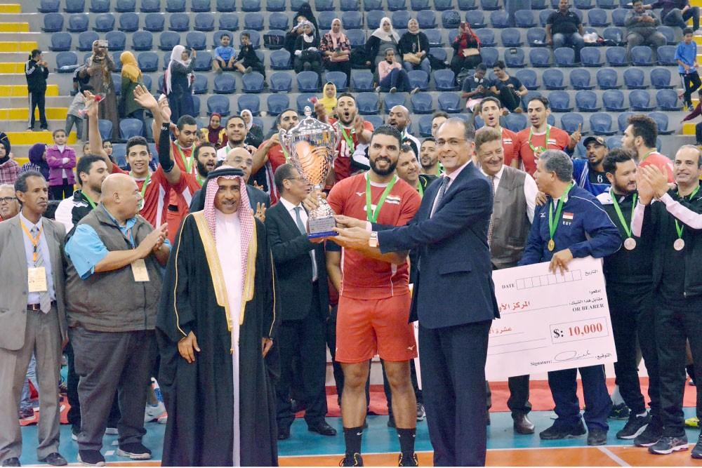 البحرين وصيفا للبطولة العربية للطائرة