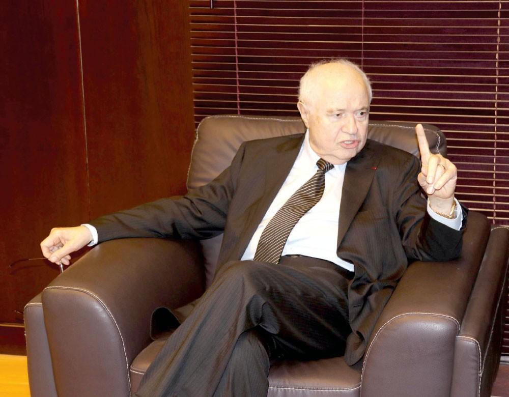 """طلال أبوغزالة:  أزمة اقتصادية عالمية """"طاحنة"""" في 2020"""
