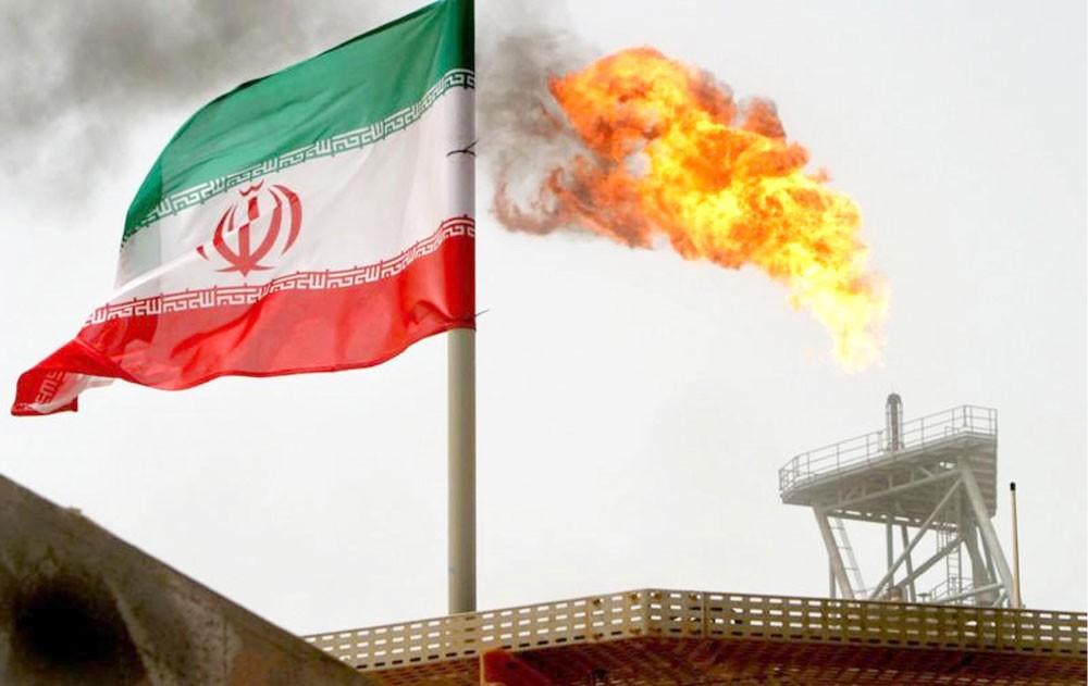 البنوك توقف تعاملاتها مع طهران