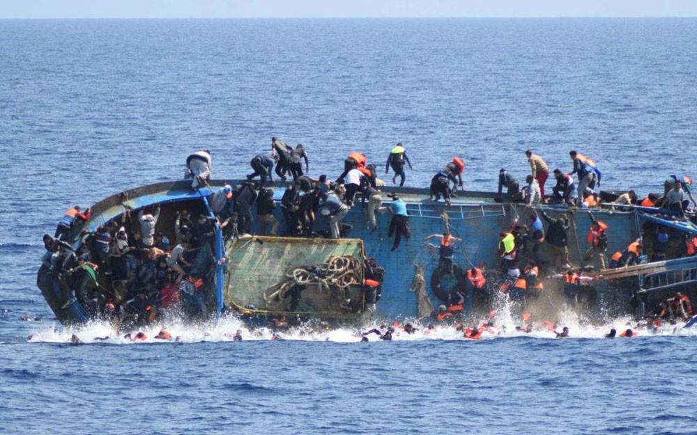 المغرب يفكك شبكة لتهريب المهاجرين