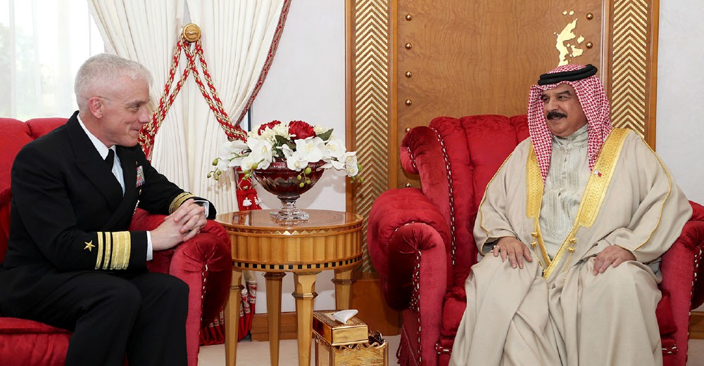 جلالة الملك يرحب بقائد الأسطول الخامس الجديد ويشيد بالعلاقات التاريخية