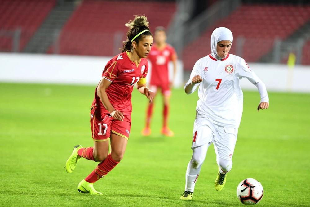 """""""الأحمر"""" يهزم لبنان بالثلاثة"""
