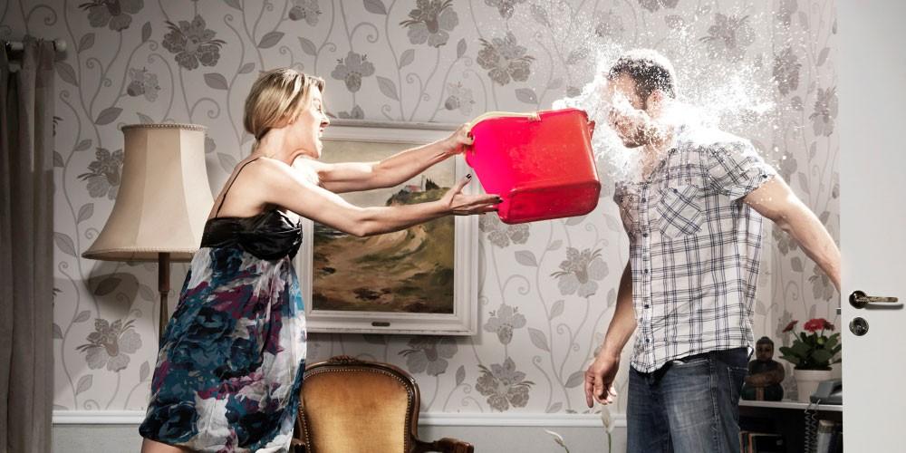 أمور تافهة تؤدي إلى حدوث مشاكل بين الزوجين