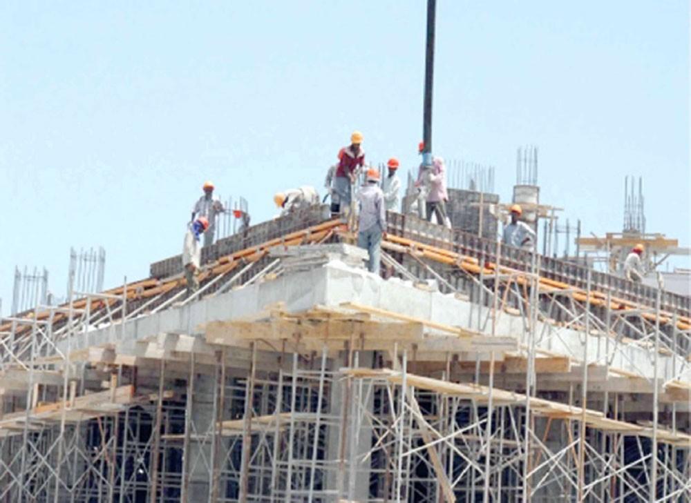 استقرار بمواد البناء مع انخفاض أسعار الحديد